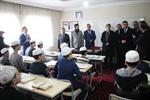 Resim Vali Çınar, Çaycuma'da İmam Hatip Öğrencileri ile Bir Araya Geldi