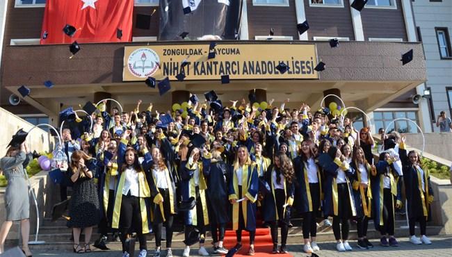 Resim Nihat Kantarcı Anadolu Lisesi Mezunlarını Uğurladı