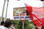 Resim Özil'in Cumhurbaşkanı Erdoğanlı Tabelasına Törenli Açılış