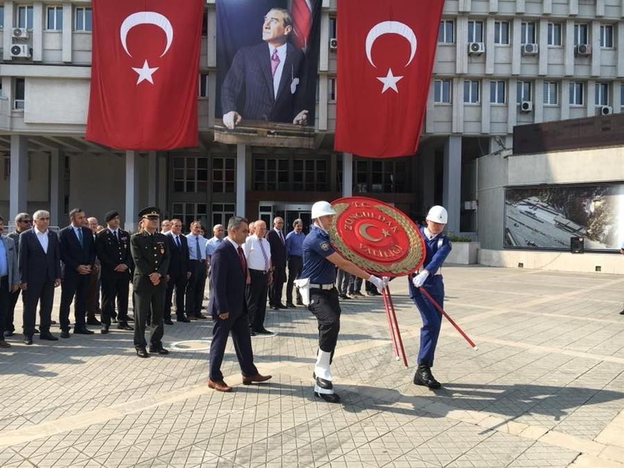 Resim Mustafa Kemal Atatürk'ün Zonguldak'a Ayak Basışının 87. Yıldönümü Kutlandı