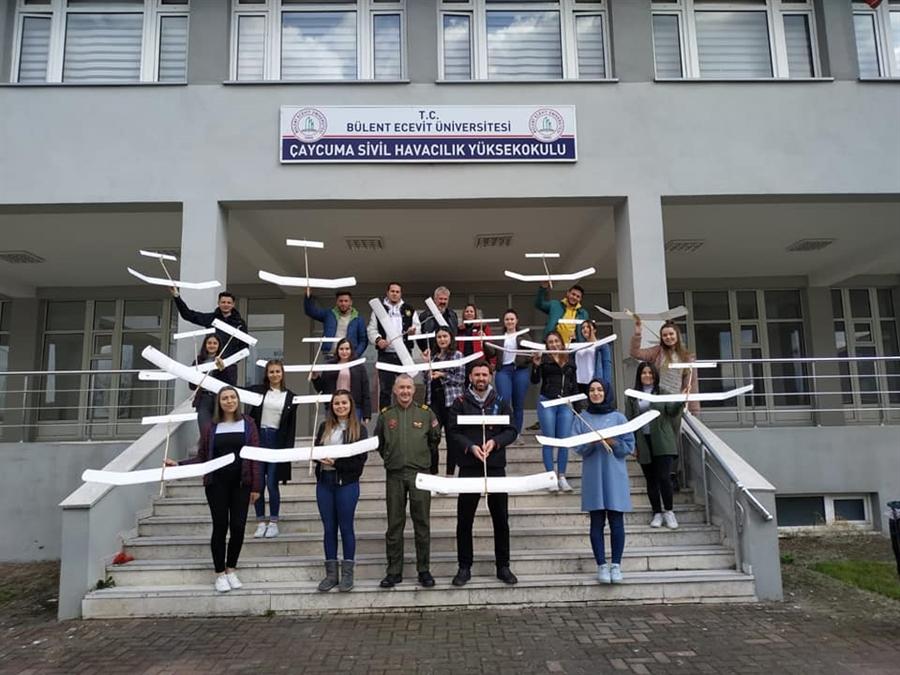 Resim Çaycuma MYO'da 'Model Uçak Rehber Öğretmen' Kursu Açıldı