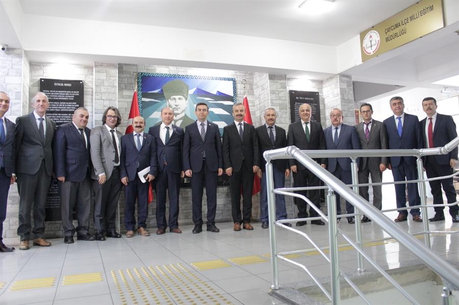 Resim İlçe Milli Eğitim Müdürleri Toplantısı Çaycuma'da Yapıldı