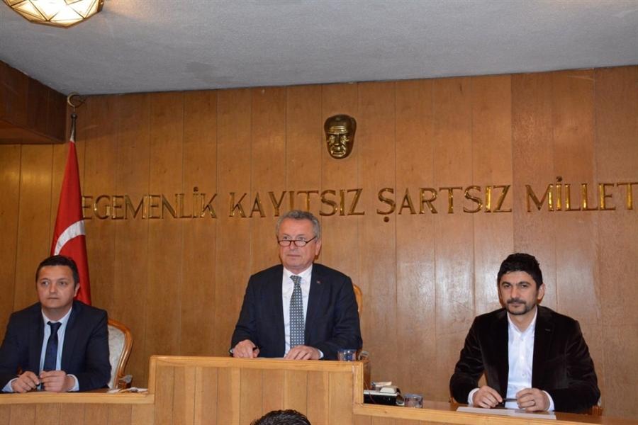 """Resim Kantarcı, """"Meclis Altın Harflerle Başladı"""""""
