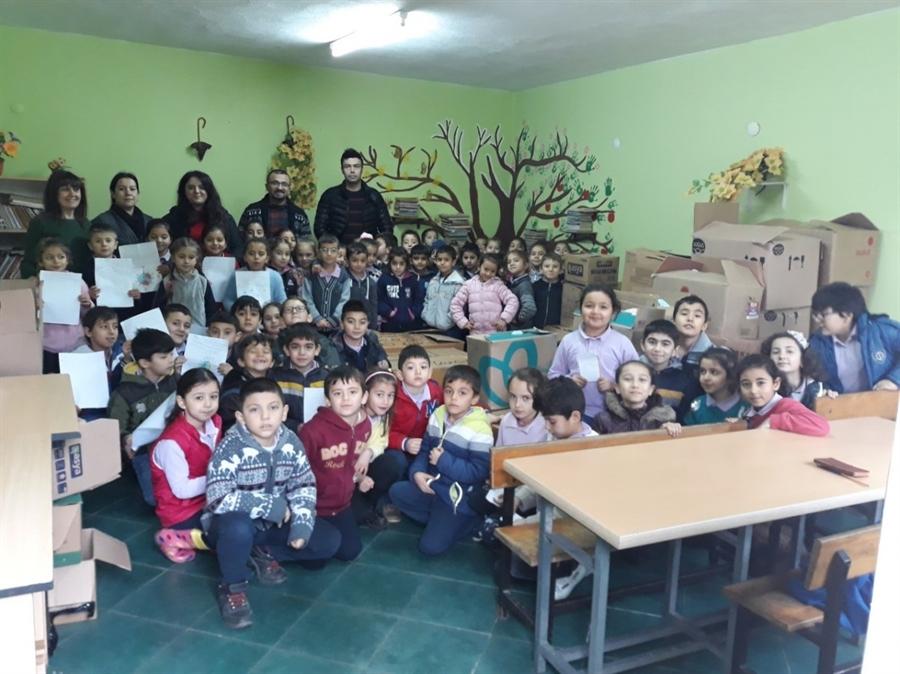 Resim Çaycumalı Öğrenciler Van'daki Kardeşlerinin Yüzünü Güldürdü