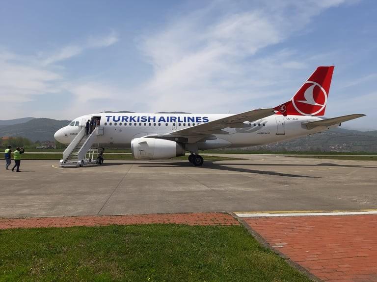 Resim Türk Hava Yolları 12 Mayıs'ta Zonguldak Havaalanında