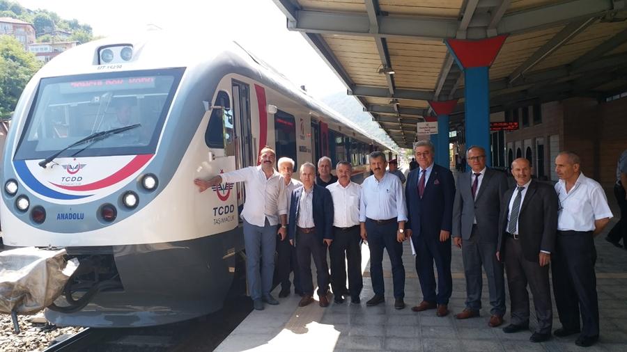 Resim Yolcu Trenlerinin Kapasitesi Artıyor
