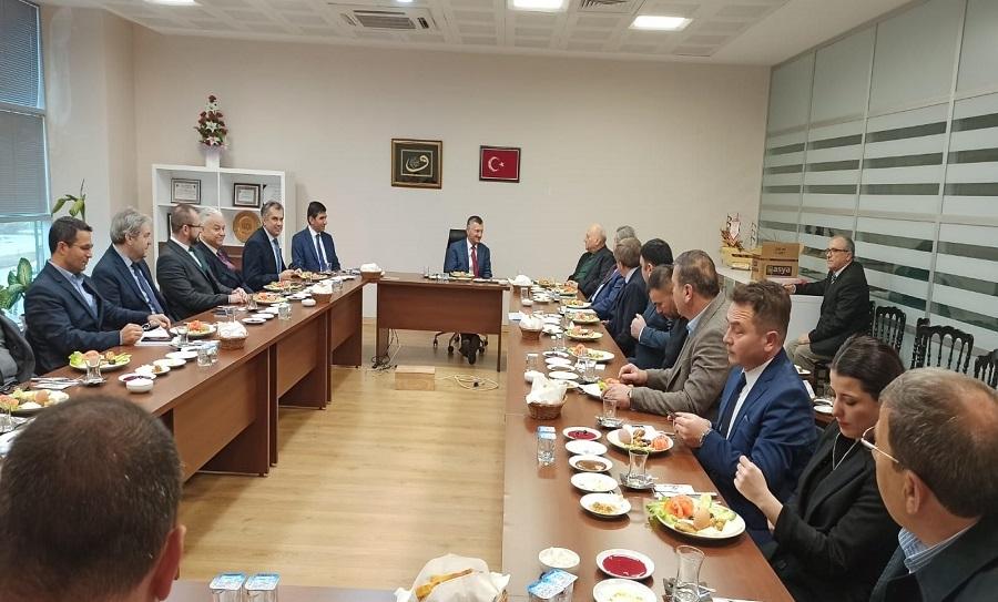 Resim Vali Erdoğan Bektaş, Çaycuma ve Gökçebey'de İstişare Toplantısı Yaptı