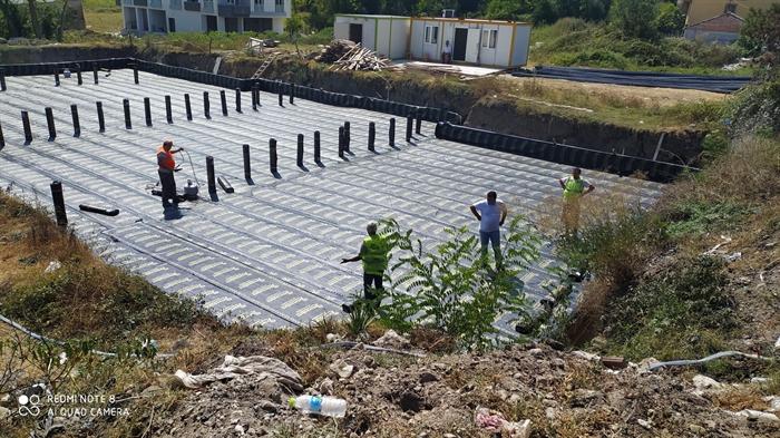 Resim Yeni Sağlık Ocağı ve 112 Acil İstasyonu İnşaatında Temel İzolasyonu Yapılıyor