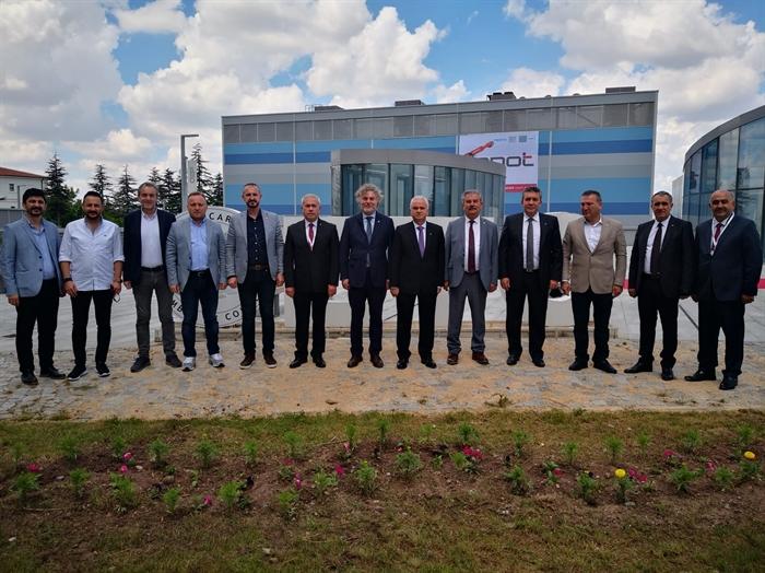 Resim Çaycuma TSO Yönetimi Eskişehir Endüstri Fuarını Ziyaret Etti